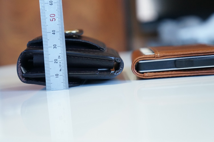 小さな財布の厚み比較
